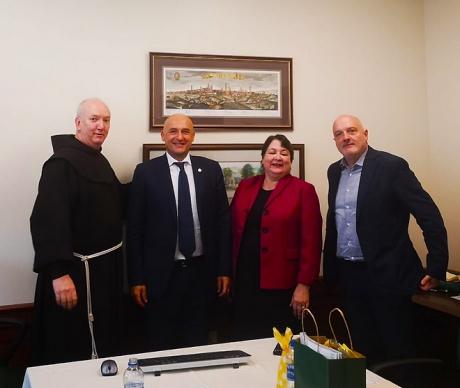 Fr. Mark Reamer, Vice President for Mission SC; il rettore Francesco Frati; Margaret Madden, Interim President SC; Luca Verzichelli delegato per l'Internazionalizzazione